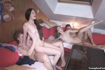 Русский групповой секс откровенных студентов