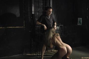 Отшлепали сучку и полили раскаленным воском обнаженное тело