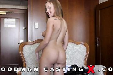 Красивая Katarina Muti оголилась перед агентом