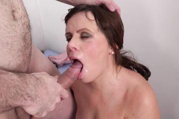 Накормил спермой выебанную мадам