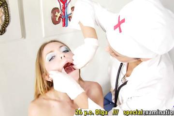 Питерская сука на приеме у доктора